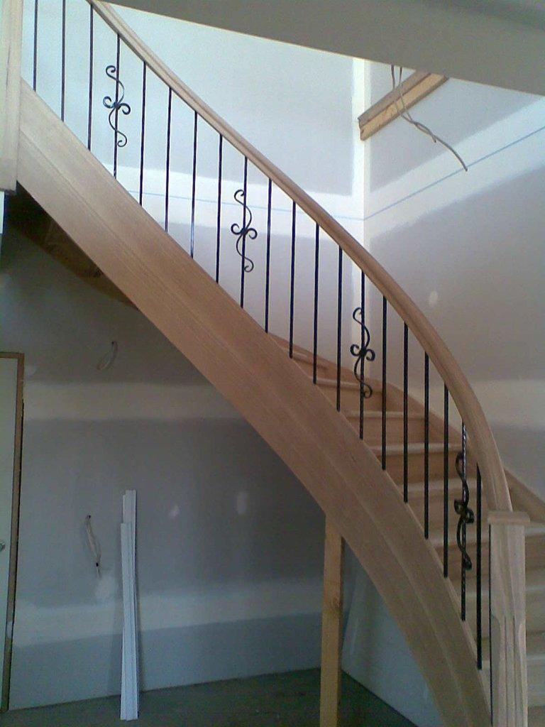 Traditional Mild Steel Balustrade For A Small Scale Four: Steel Baluster DHP4-02